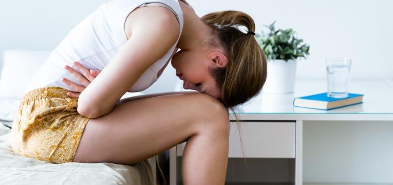 gases na gravidez mulher com dores abdominais