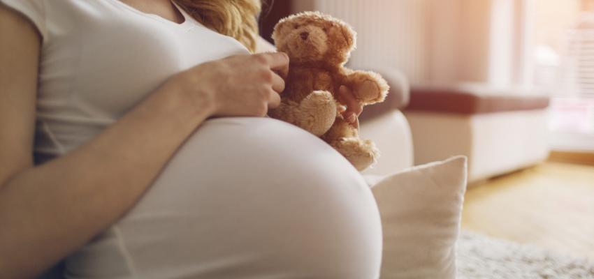Las mujeres embarazadas y COVID-19 guia de bebes