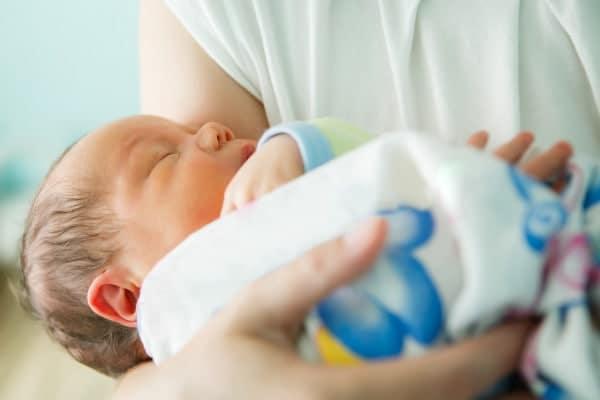 Covid y recién nacidos, sin separación de la nueva madre