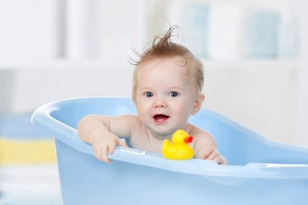 El baño para niños con dermatitis atópica